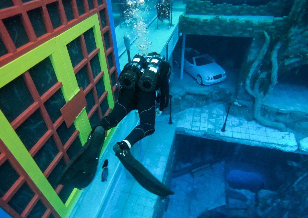 Deep Dive Dubai